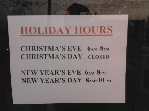 Holiday Hours.jpg (318 KB)